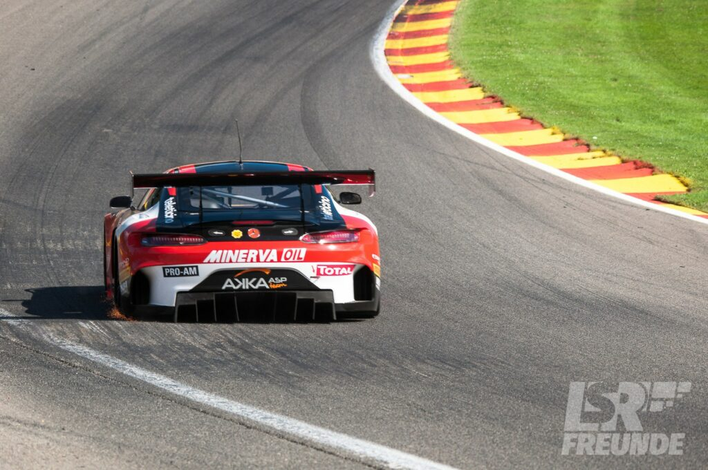 Mercedes AMG GT3 AKKA ASP Racing Spa24h 2017 Blancpain GT Series Eau Rouge