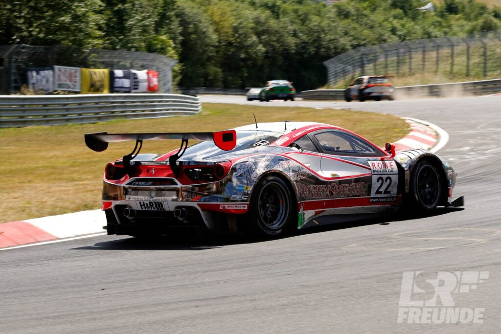 Wochenspiegel Team Monschau Rinaldi Racing Ferrari F488 GT3 Nürburgring Nordschleife