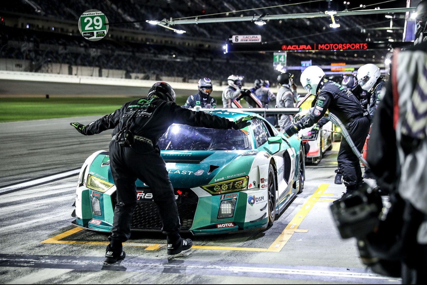 24h Daytona 2018 - Foto: Gruppe C Photography; #29 Audi R8 LMS GT3, Montaplast by Land-Motorsport: Sheldon van der Linde, Kelvin van der Linde, Jeffrey Schmidt, Christopher Mies