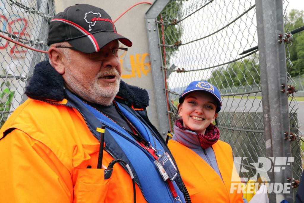 Praktikantin Evelyn und Bernd Plauschinat