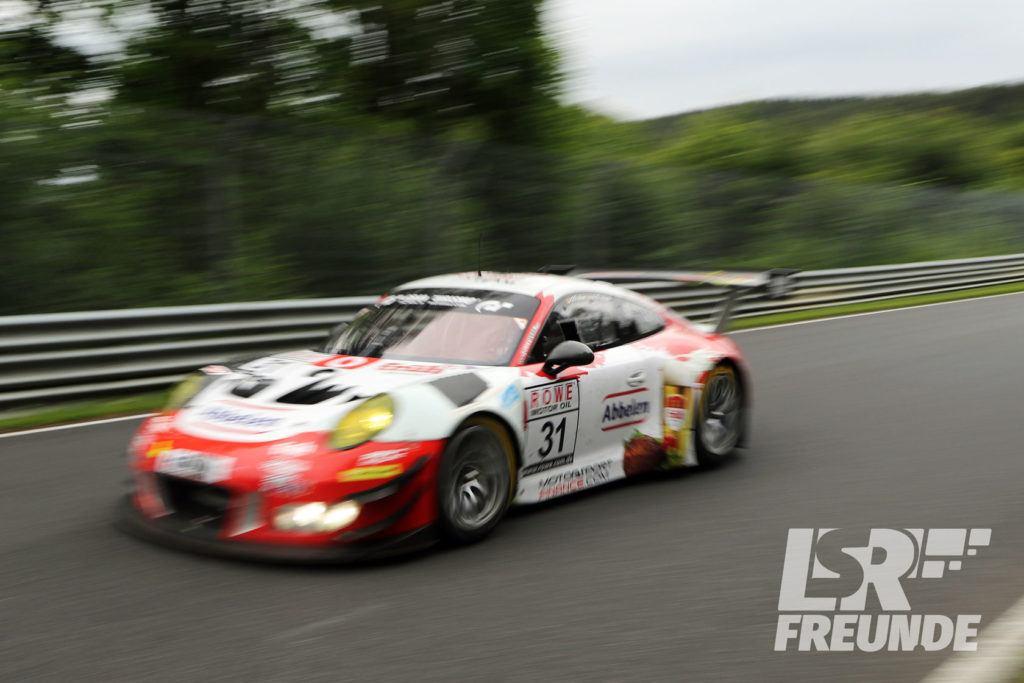 Frikadelli Racing #30 Porsche 911 GT3 R