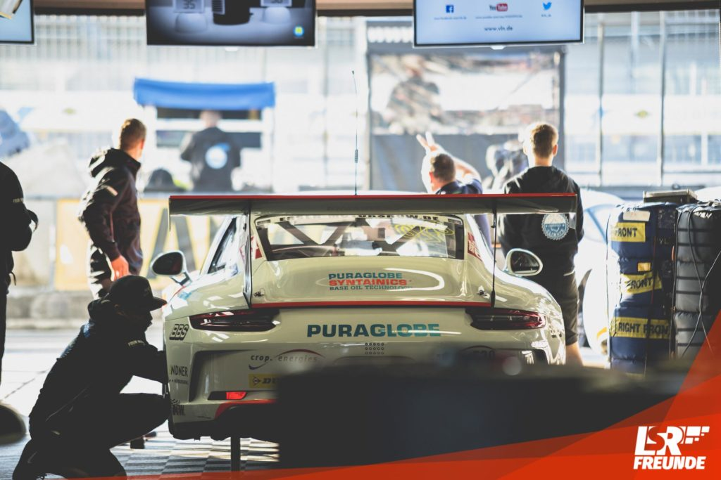 Four Motors Bioconcept Car Porsche 911 GT3 Cup in der Box
