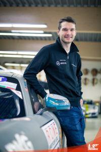 Yannick Mettler und der AMG GT4 von Black Falcon Motorsport