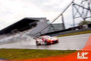 Frikadelli Racing Porsche 911 GT3 R #30