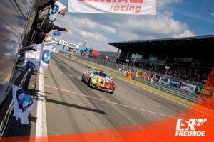 BMW-M4-GT4-Leutheuser-Racing-Zieleinfahrt-N24h-2019