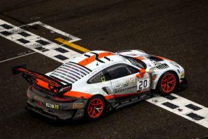 Porsche 911 GT3 R, GPX Racing #20
