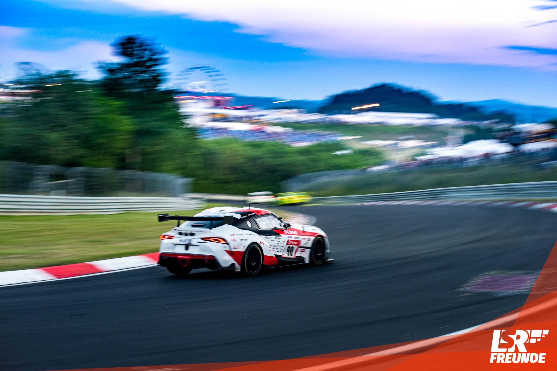 Toyota Supra GT4 beim ADAC TOTAL 24h-Rennen am Nürburgring 2019, Bereich Einfahrt Hatzenbach