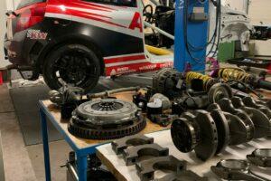 Renault Clio RS Avia Racing Motorarbeiten