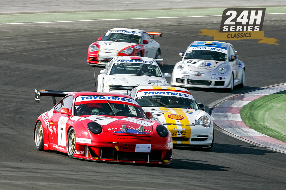 24H SERIES staple, and future class champion, CC Car Collection Motorsport (# 7) battles Hubert Bergh Motorsport (# 12) in the opening stages of the 2006 24H DUBAI
