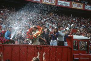 Le Mans 1970: Hans Herrmann und Richard Attwood feiern ihren Sieg.