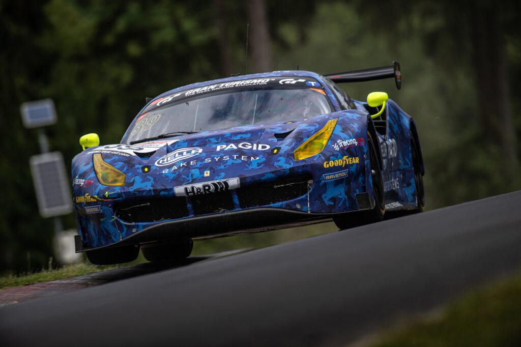 Racing One Erfolgreicher Einstand In Der Sp9 Für Den Hella Pagid Ferrari 488 Gt3 Lsr Freun De