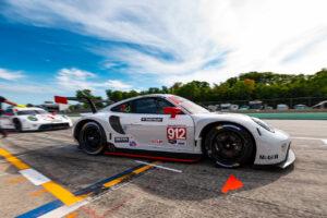 Porsche 911 RSR, Porsche GT Team (#912), Earl Bamber (NZ), Laurens Vanthoor (B) IMSA