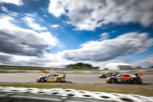 ROWE Racing GT World Challenge Europe - Endurance Cup, Round 3 - Nürburgring 2020 #98 Porsche 911 GT3 R, Rowe Racing: Simona de Silvestro, Timo Bernhard, Jeroen Bleekemolen