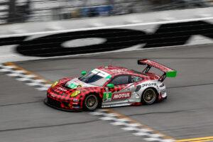 Rolex 24 at Daytona, ROAR Porsche 911 GT3 R, Pfaff Motorsports #9, Zacharie Robichon (CDN), Laurens Vanthoor (B), Lars Kern (D), Matt Campbell (AUS)