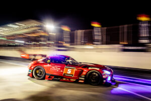 24h Dubai 2021 - 24h Series Continents powered by Hankook Round 1 - Foto: Gruppe C Photography; #5 Mercedes-AMG GT3 Evo 2020, HRT: Khaled Al Qubaisi, Valentin Pierburg, Florian Scholze, Nico Bastian, Patrick Assenheimer