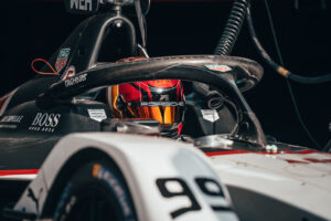 Porsche 99X Electric (#99), Pascal Wehrlein FIA ABB Formula E Diriyah 2021