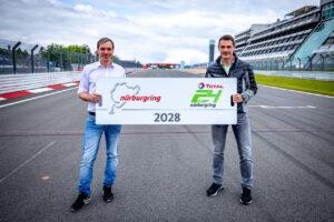 Nürburgring-Geschäftsführer Mirco Markfort (links) und der Organisationsleiter des 24h-Rennens, Mirco Hansen (ADAC Nordrhein)
